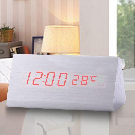 """Часы-будильник """"Пирамида"""" 15 см с термометром белое дерево красные цифры зв. активация"""