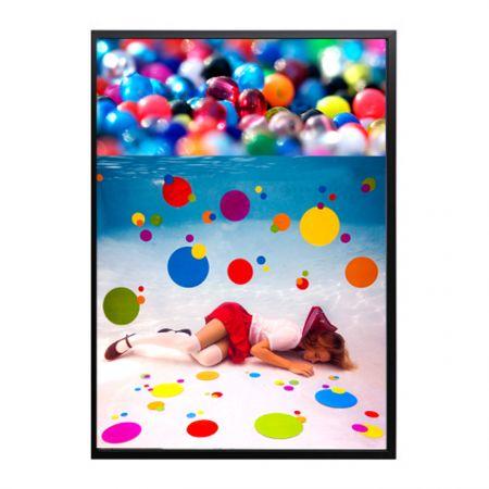 Картина дизайнерская в раме 50х70 см постер 001